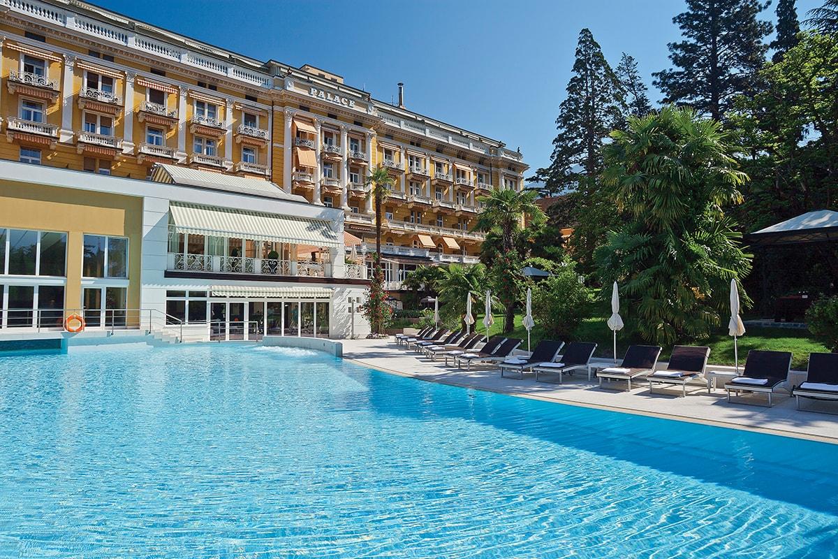 Palace Merano Espace Henri Chenot Pool