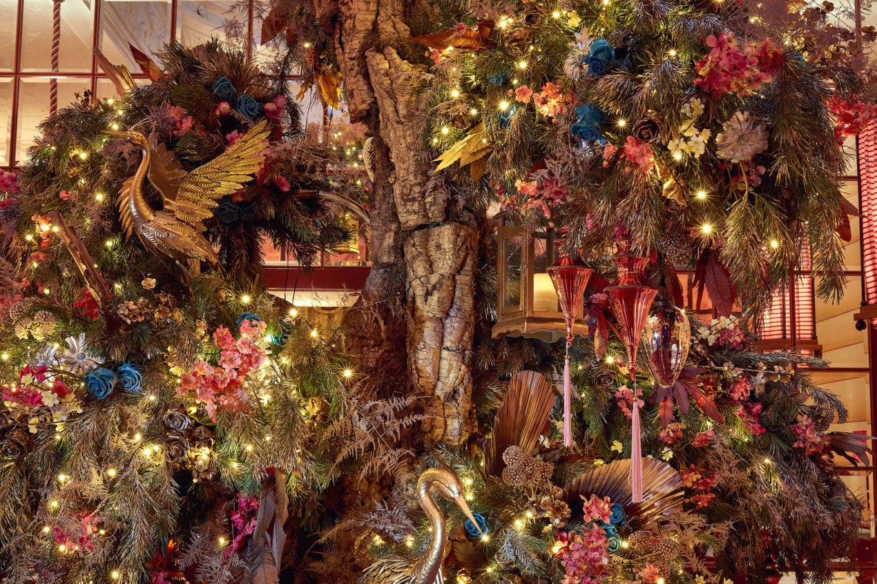 A close up image of the Christmas tree decorated by Ricky Paul Flowers at sketch London