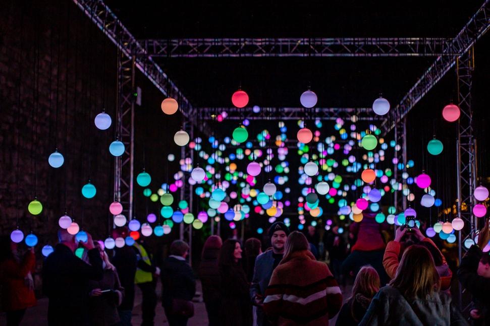 Eccleston Yard's Wave Light Installation
