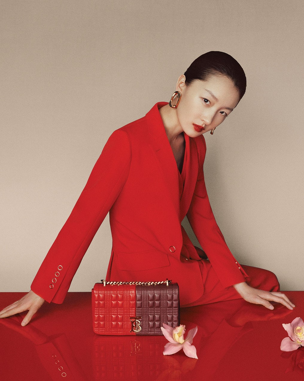 Burberry-Chinese-New-Year-2020-Campaign-c-Courtesy-of-Burberry-_-Leslie-Zhang_004
