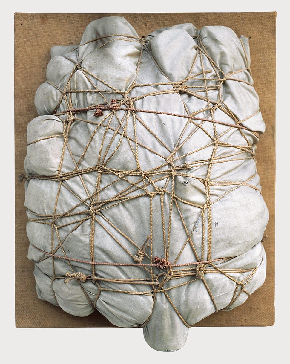 Christo, Empaquetage, 1960