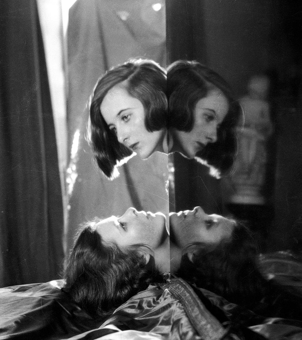 Nancy and Baba Beaton by Cecil Beaton, 1926. © The Cecil Beaton Studio Archive
