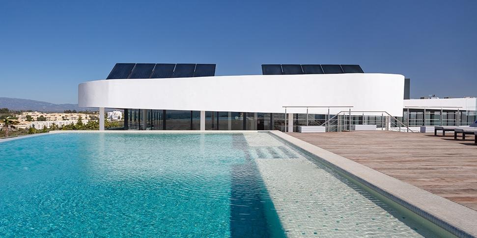 Longevity Health & Wellness rooftop pool