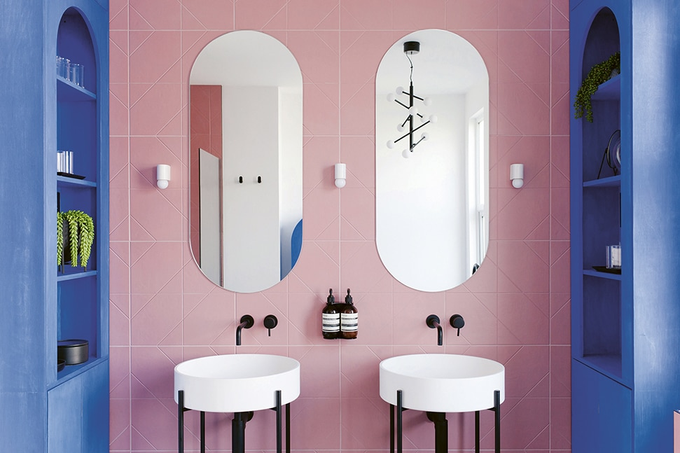2LG design studio's family bathroom, with double sinks and modern fittings