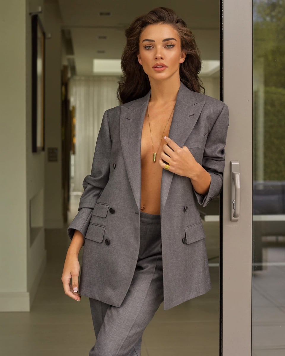 Amy Jackson at Home wider 8395