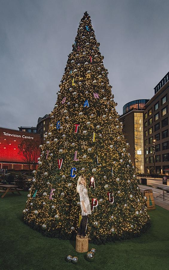 Matilda Goad x Christmas Tree TVC  ©Charles Emerson 3