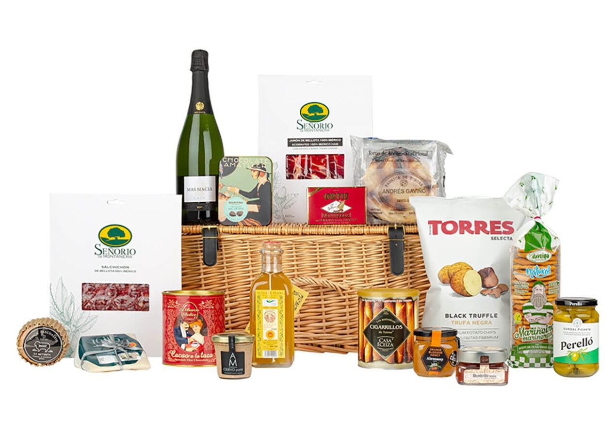 The 11 Best Luxury Picnic Hampers 2021