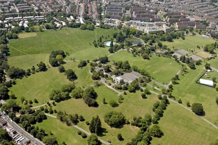 The 17 Best Parks in London for a Picnic 2021 - The Glossary
