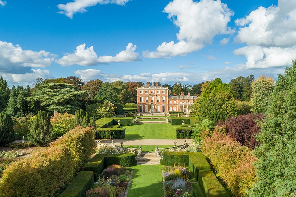The Best Flower Shows in the UK To Visit in 2021 – Harrogate Autumn Flower Show - Newby Hall